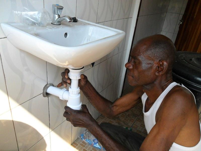 Replacing pipes in the sanitary block