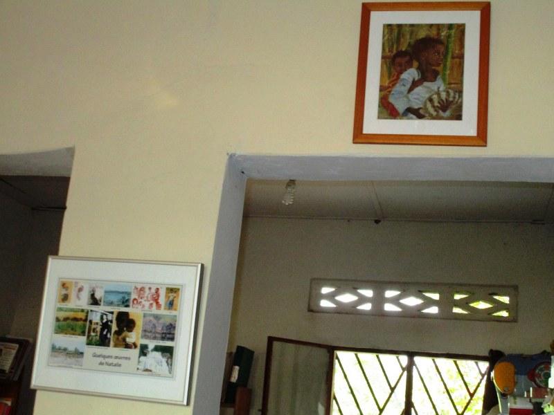 Mini art gallery