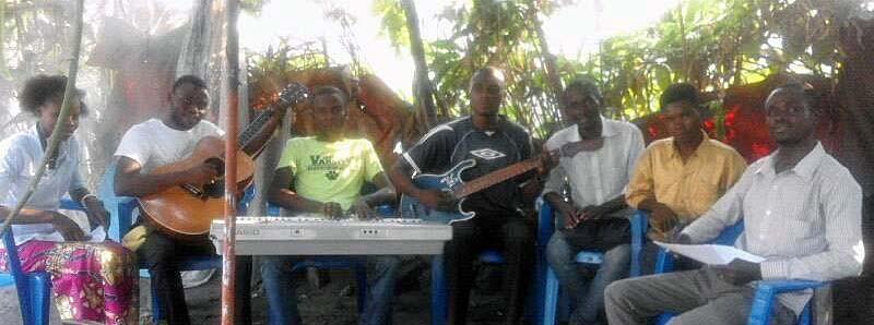 Choir practice in Massina