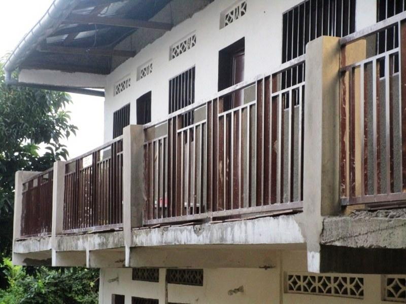 Balcony to medical center